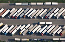 Darstellung der Parkplatznot auf deutschen Autobahnen