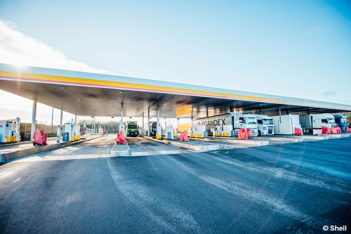 Die größte Tankstelle der Welt in Berchem, Luxemburg.