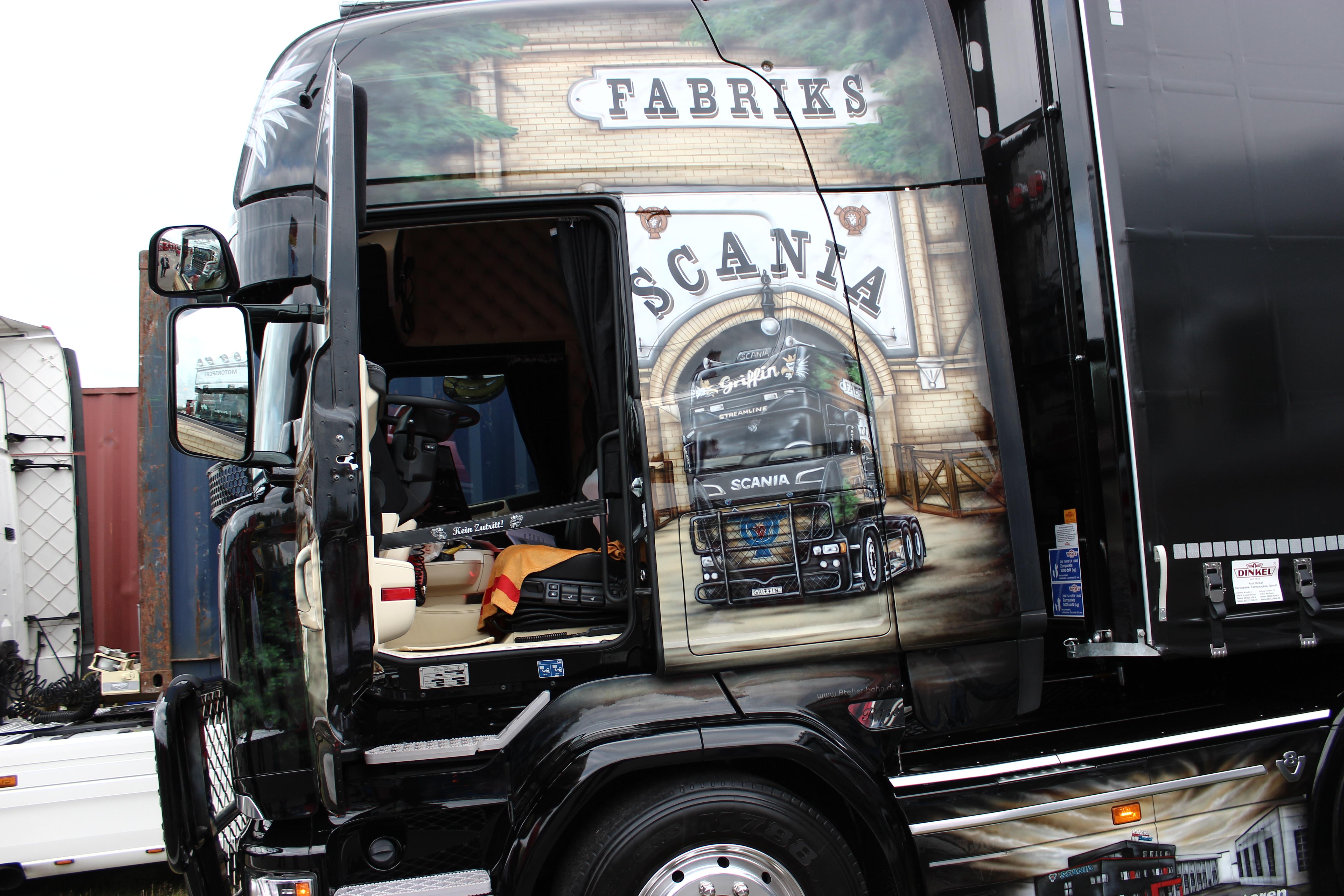Ein Führerhaus eines SCANIA Trucks auf dem Truck Grand Prix.