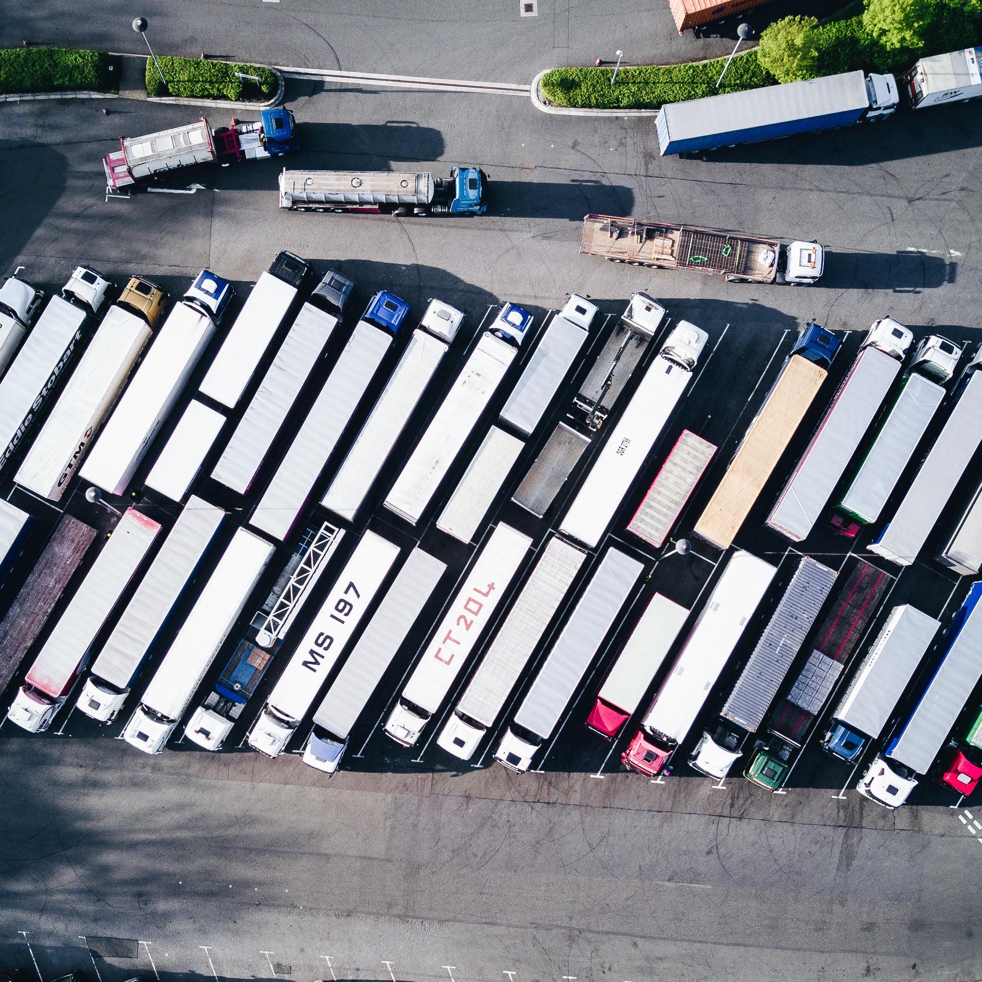 Die Parkplatznot für LKW wird immer besorgniserregender