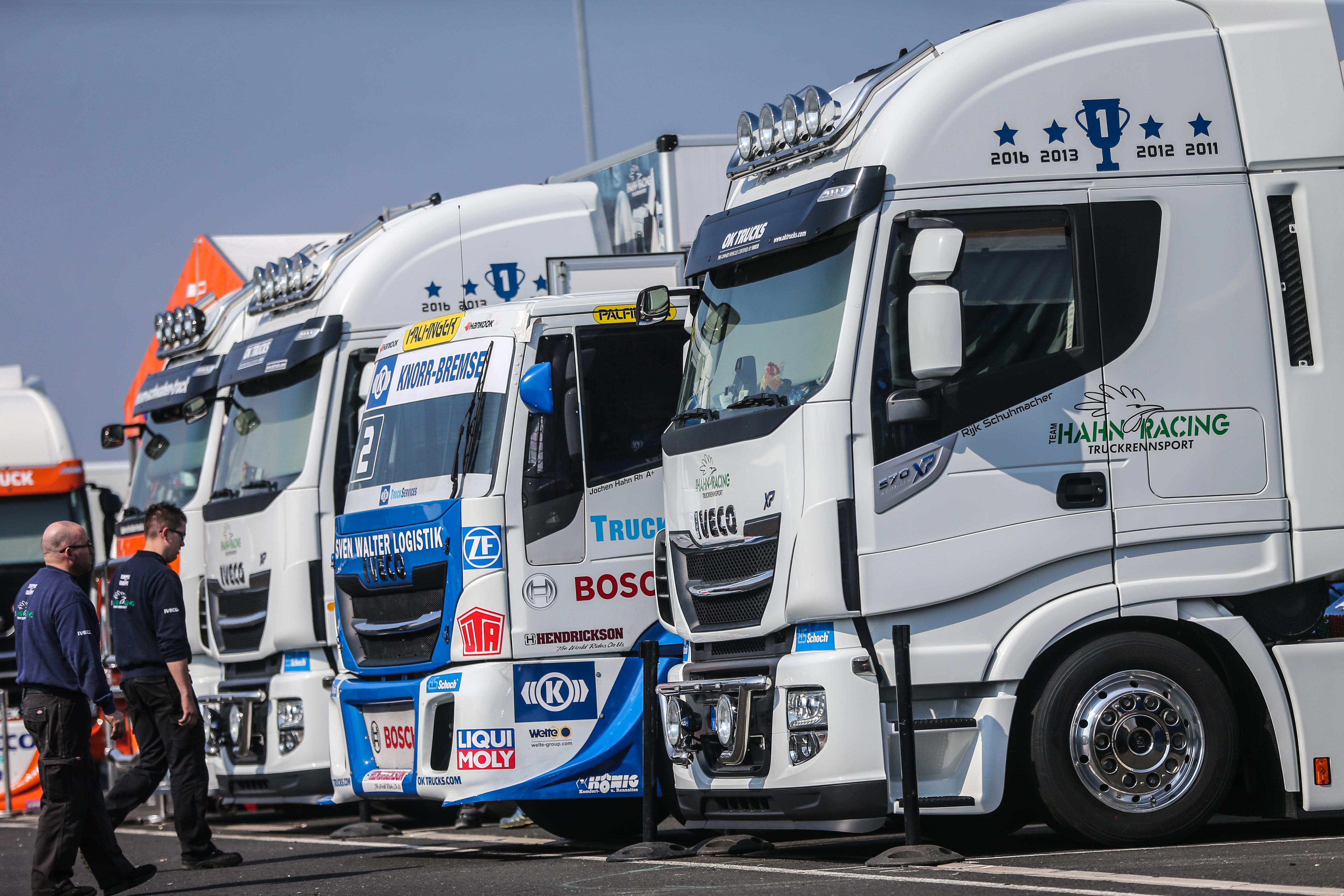 Die Racing Trucks sind bereit für den Start